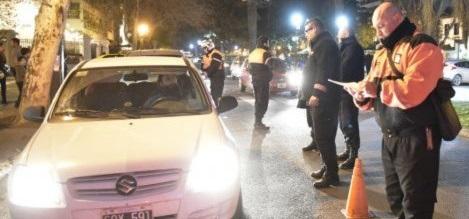 CONTROLES POLICIALES EN PLAZA CUNA DE LA NOTICIA