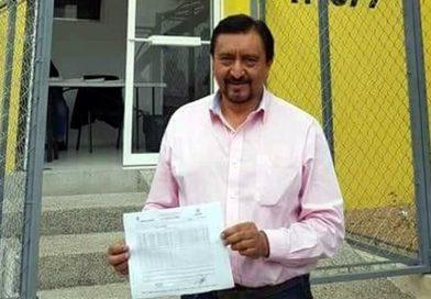 México: Atan a un auto y arrastran a político por incumplir promesas de campaña
