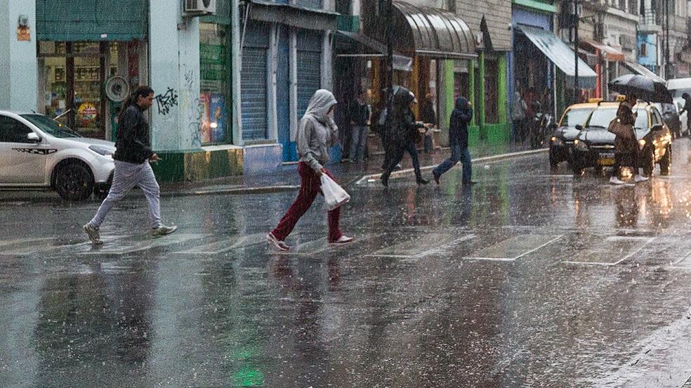 Rige un alerta por fuertes tormentas para la región