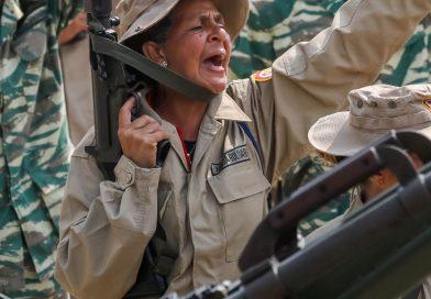 Venezuela: Milicias de Maduro dispararon contra diputados de Guaidó