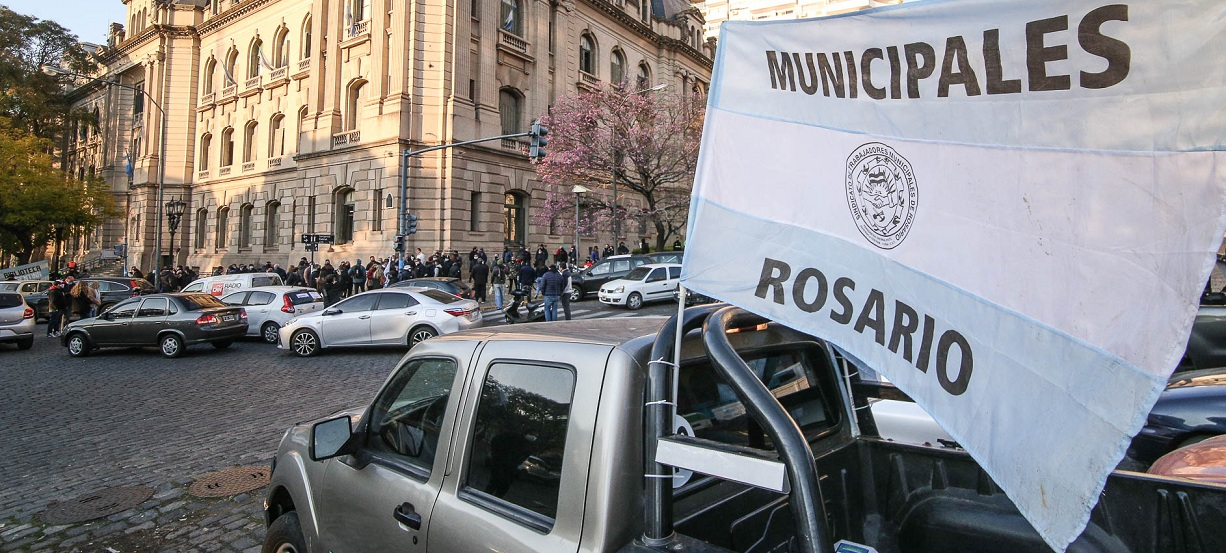 Jueves sin administración pública por paro de los municipales de Ratner