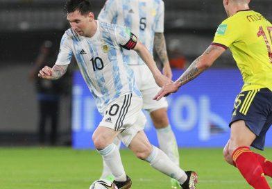 Argentina empezó ganando, pero terminó empatando con Colombia