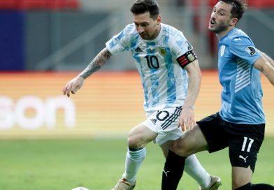 La Selección venció a Uruguay y lidera Grupo A de la Copa América