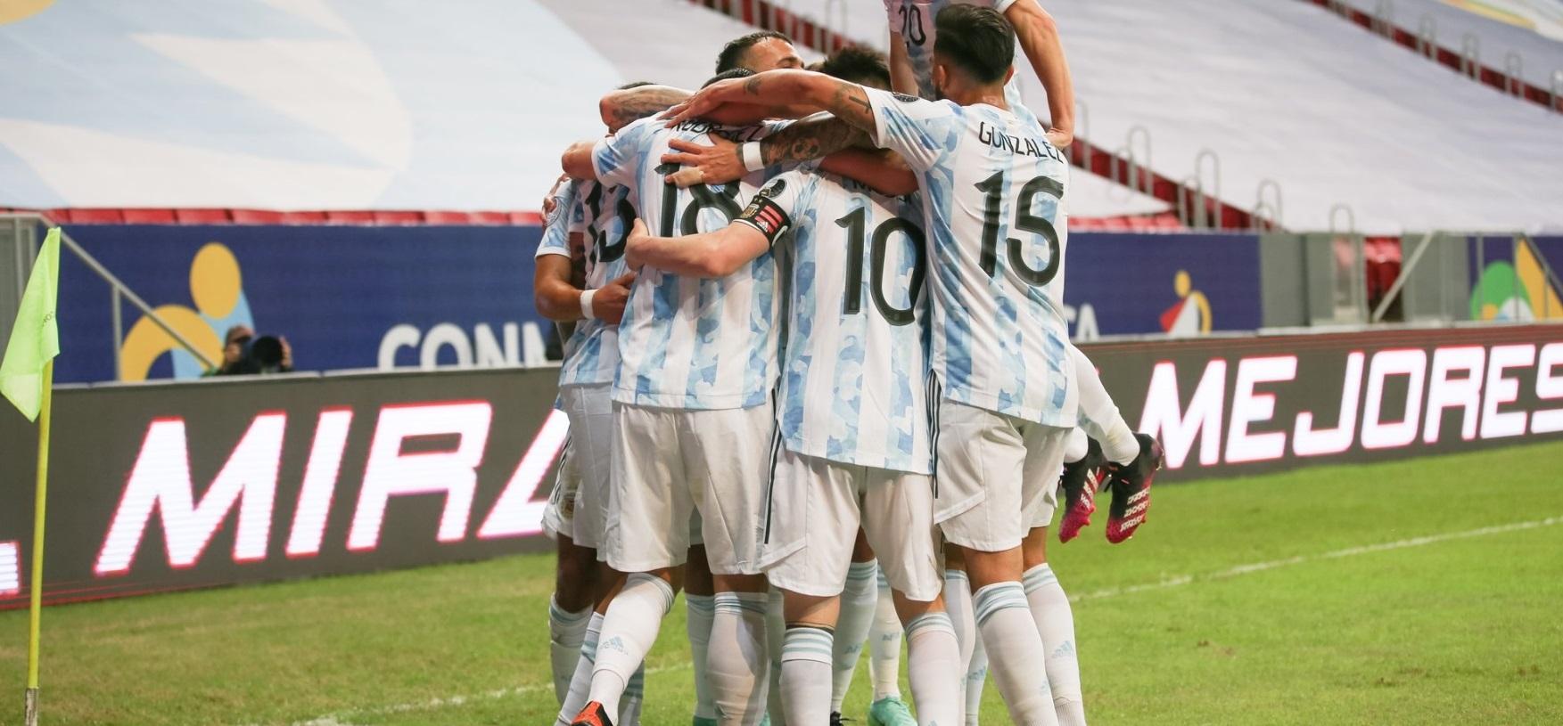 Argentina se mide ante Paraguay camino a los cuartos de final de la Copa América